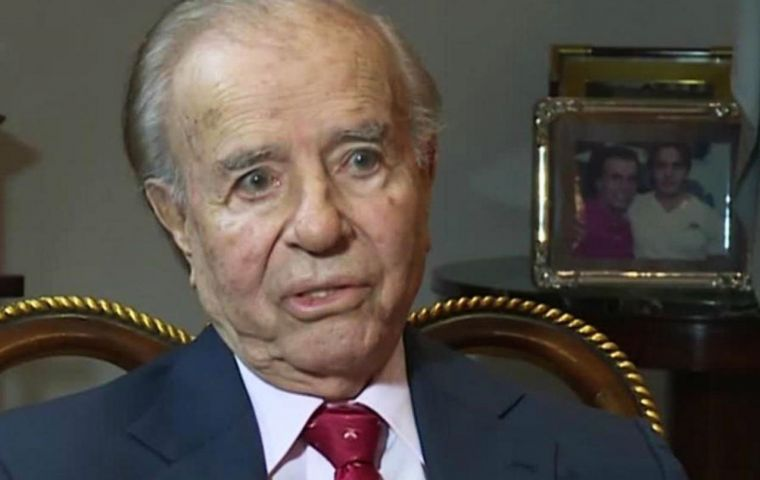 """Look where we are"", said Menem in reference to Cristina Fernandez administrations, but also questioned the current Macri government on inflation. (Pic CNN)"