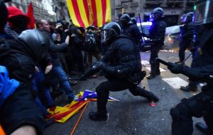 More than 55,000 people participated in demonstrations and roadblocks on Sunday in protests called after the arrest of Puigdemont