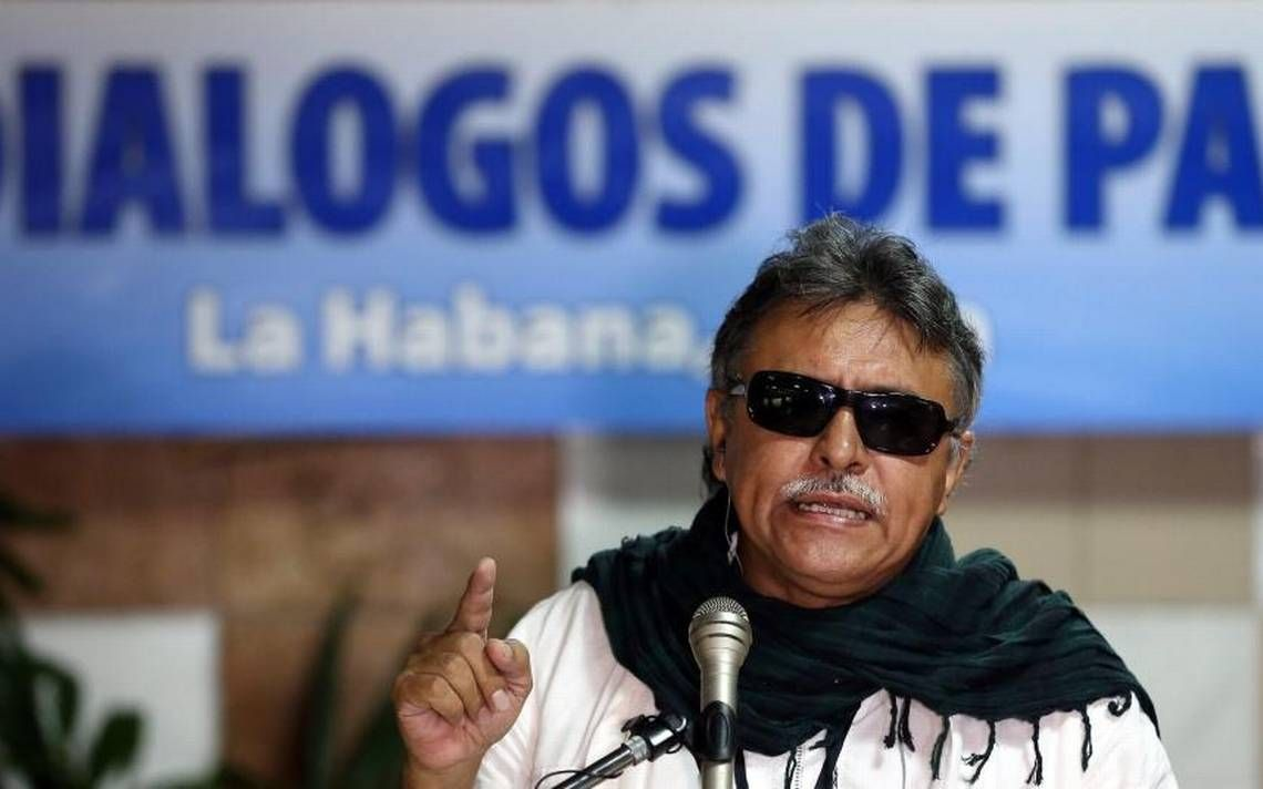 Arrest of ex-negotiator could harm Colombia peace process: FARC