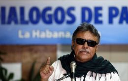 Jesus Santrich, a former peace negotiator, is accused of drug trafficking by a court in New York. He planned to export 10 tons of cocaine worth US$ 320m to the US