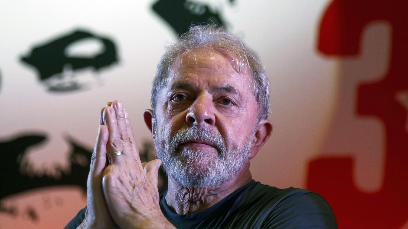 b9a68521b2471 Lula was imprisoned on April 7 to begin his sentence for accepting a  seaside apartment as a bribe from the OAS construction company