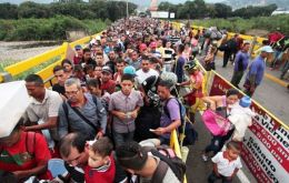 UNHCR already estimates that this year the figure could more than double, even surpassing 3 million people, 10 percent of the total Venezuelan population.