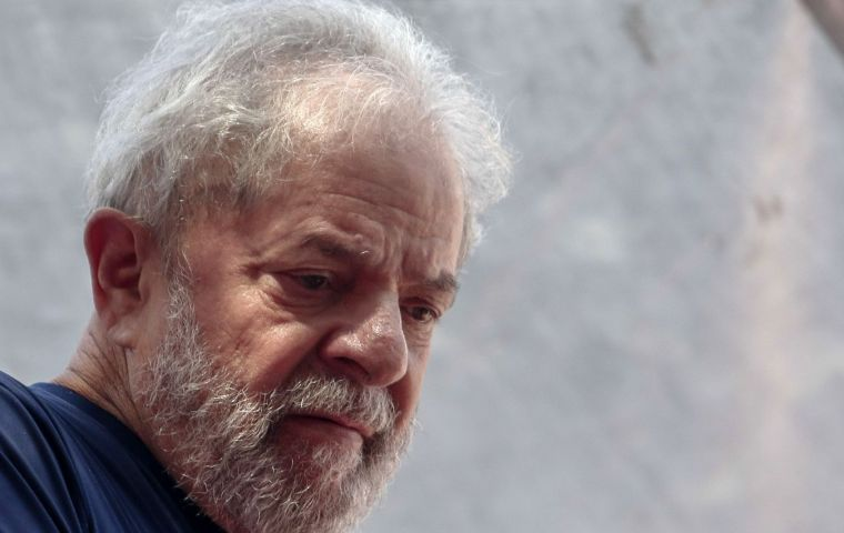 """I want you to feel totally free to take whatever decision you need because 2018 is an important year for the PT, for the left and for democracy,"" wrote Lula da Silva"