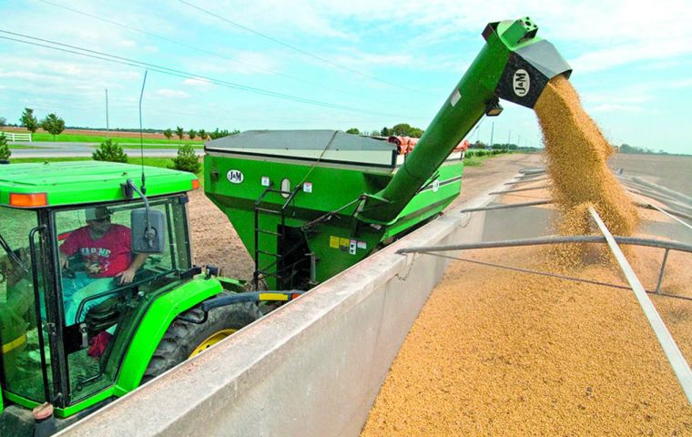 Brazilian farmers have practically finished harvesting their soy for the 2017/18 crop year, which kicked off in September, as US is just beginning to plant its 2018 crop.
