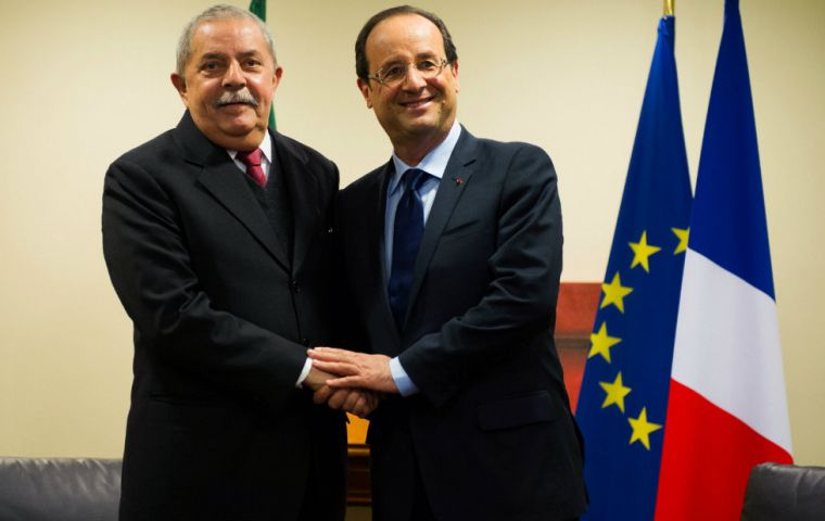 "French ex-president Francois Holland and Spanish former PM Jose Luis Rodriguez Zapatero, called Lula's imprisonment for corruption ""hurried"""