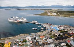 Ushuaia received some 120.000 visitors from 332 cruise calls this last season, which was described as excellent