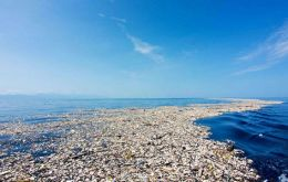 Every year, more than 8 million tons end up in the oceans.