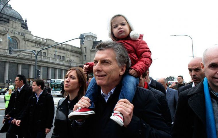 "President Mauricio Macri although he has declared himself ""pro life"", last March he supported the initiative calling for ""a mature and responsible debate"""