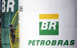 Petrobras will pay US$ 2.95 billion to its American shareholders. This sum is 6.5 times the amount Petrobras has recovered from funds embezzled in the corruption ring