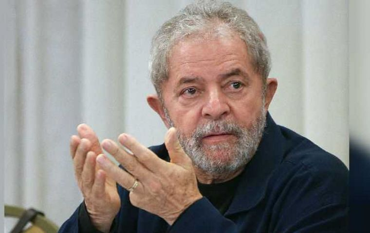 Lula's defense lawyers claim that the former president is illegally arrested and asks for freedom until there is no more possibility of appeals at the second instance.