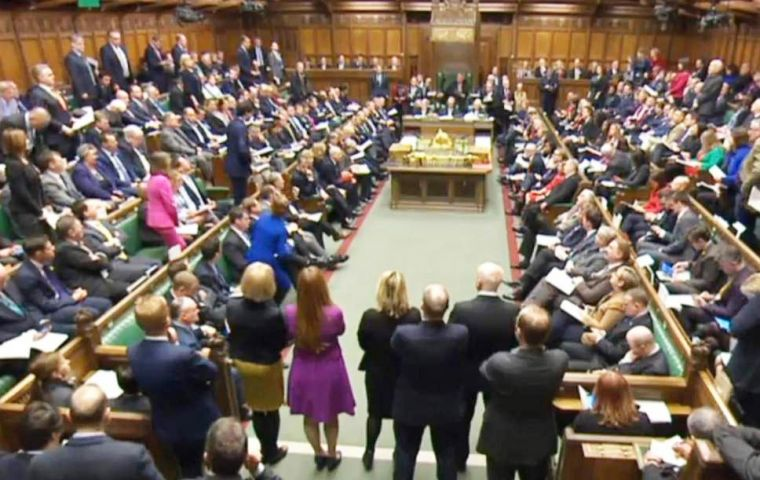 Government defeated an amendment from Tory backbench MPs, which would have kept UK in a customs union with the EU if it fails to agree a free trade deal.