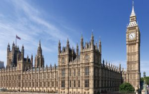 Westminster's constitutional affairs committee said ministers should engage more and set out policies more clearly