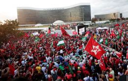 More than 10,000 of Lula supporters flooded the area around the Supreme Electoral Court in Brasilia while party leaders went inside to file the candidacy