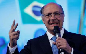 Geraldo Alckmin, a center-right establishment politician backed by a broad centrist coalition, has only 4.9% of voting intentions, according to CNT/MDA
