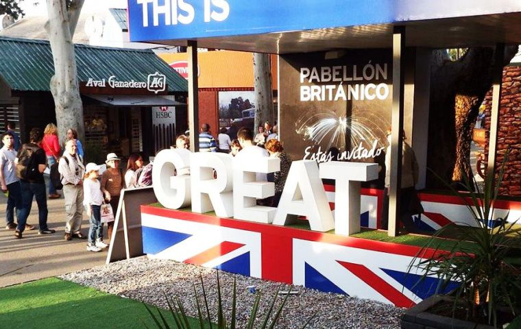 For the fifth consecutive year, the British Embassy takes part in Expo Prado, with a renewed pavilion that invites visitors to explore London's Underground