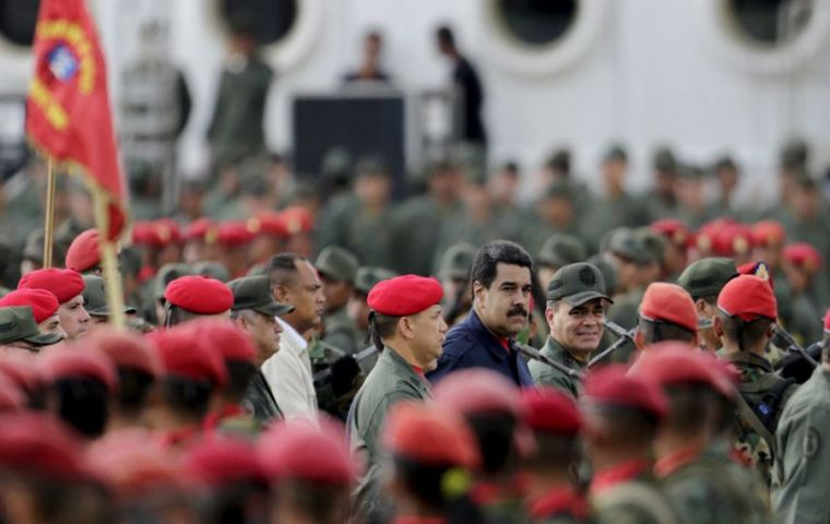 Donald Trump held meetings with a Venezuelan high-ranking military officer and US officials in order to plot a plan to carry out a coup against Nicolás Maduro