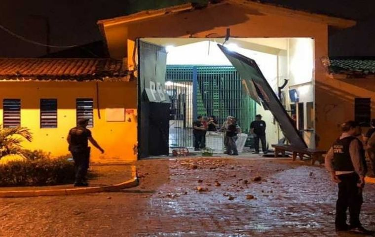Officials said the assault was carried out by about 20 men in four vehicles who fired on watchtowers and used explosives to destroy the front gate of the prison