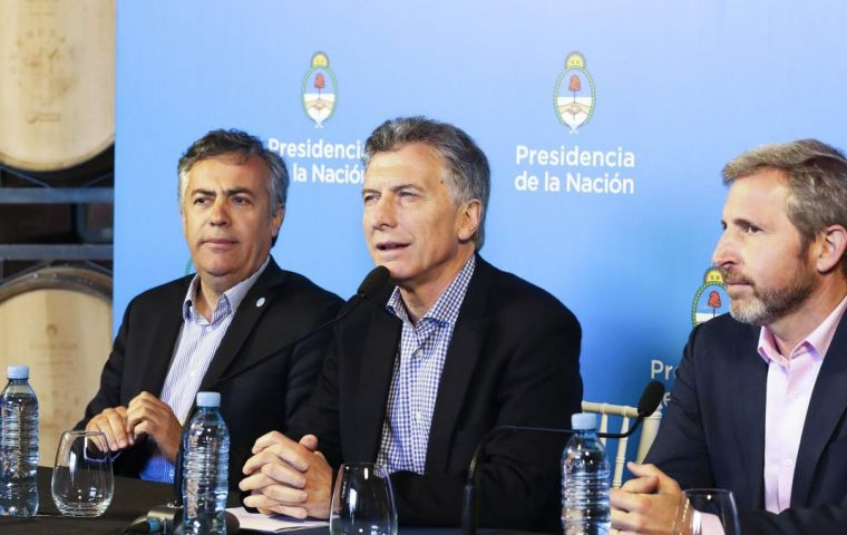 "The Atlantic Council salutes President Macri for his ""tireless and uncompromising dedication to his country and people through his pragmatic approach to policy"""