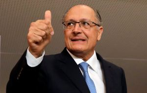 Likewise with the ex governor of Sao Paulo and most business friendly candidate, Gerldo Alckmin, 38% to Bolsonaro's 37%