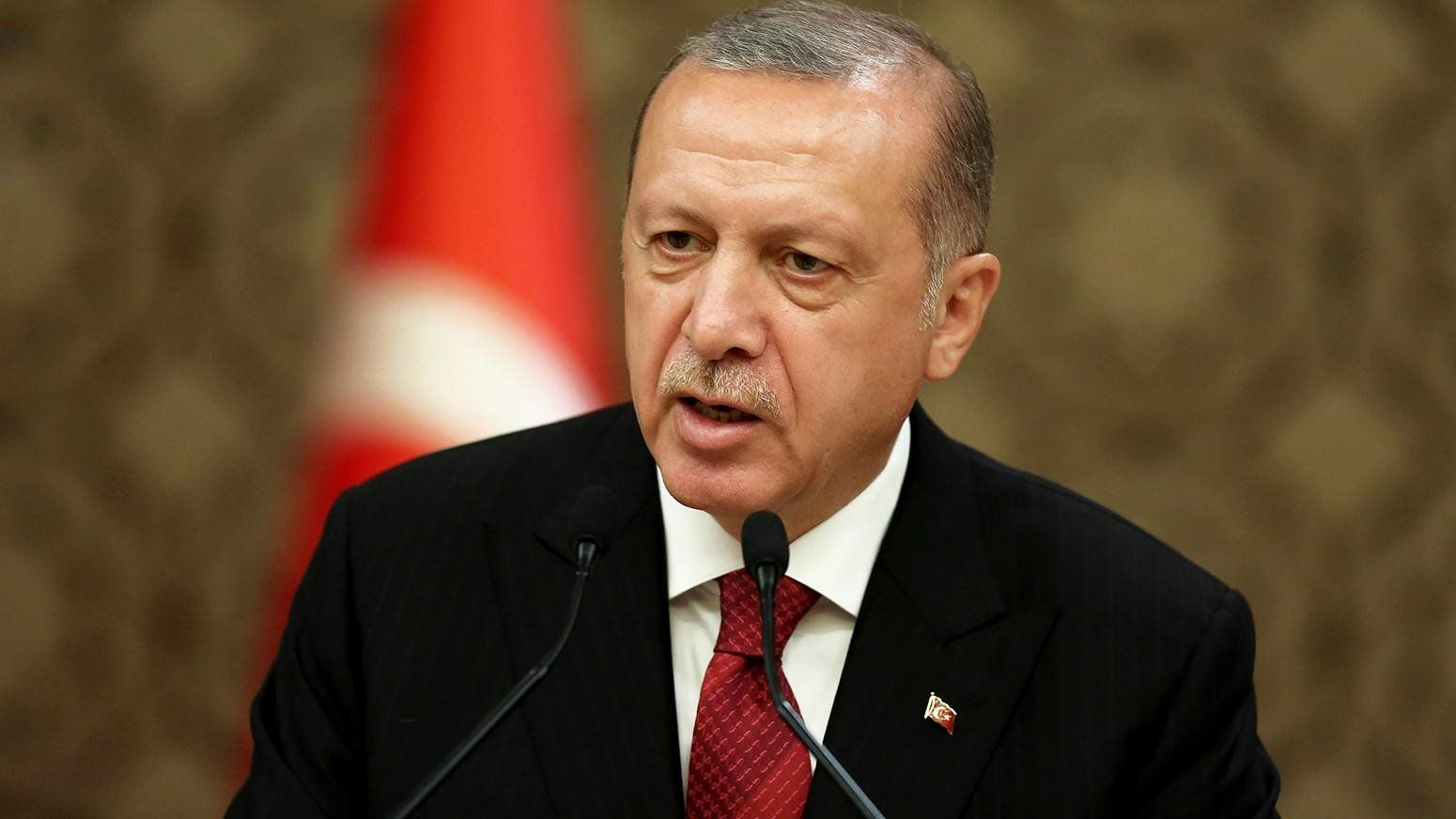 """""""We are solving the issue of rent in foreign currency which concerns a lot of our vendors once and for all,"""" Erdogan told a meeting of a traders' confederation"""