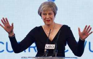 "But Theresa May told the BBC that if Parliament does not ratify her Chequers plan, ""I think that the alternative to that will be having no deal""."