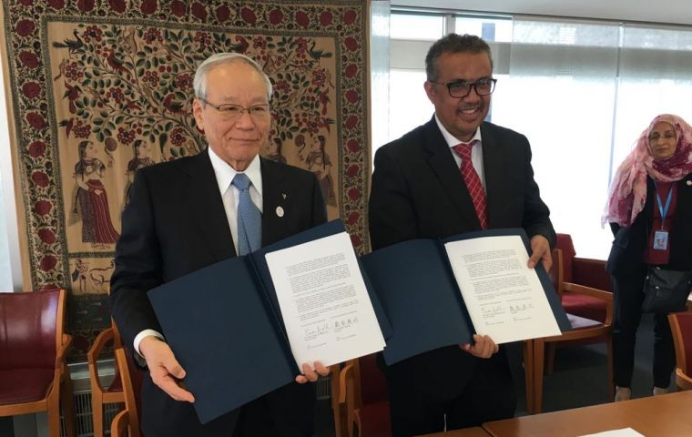 President of the World Medical Association Dr. Yoshitake Yokokura (left) welcomed the Political Declaration on the prevention and control of NCDs