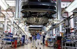 Anfavea said auto exports will now drop 8.6% this year to a total of 700,000 units. The estimate represented a significant revision