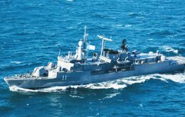 The ARA La Argentina destroyer took to sea Sunday from Puerto Belgrano to replace fellow destroyer ARA Almirante Brown in assisting Ocean Infinity