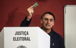 "In a tweet late Wednesday, Bolsonaro said he didn't want the vote ""of anybody who practices violence against those who didn't vote for me."""