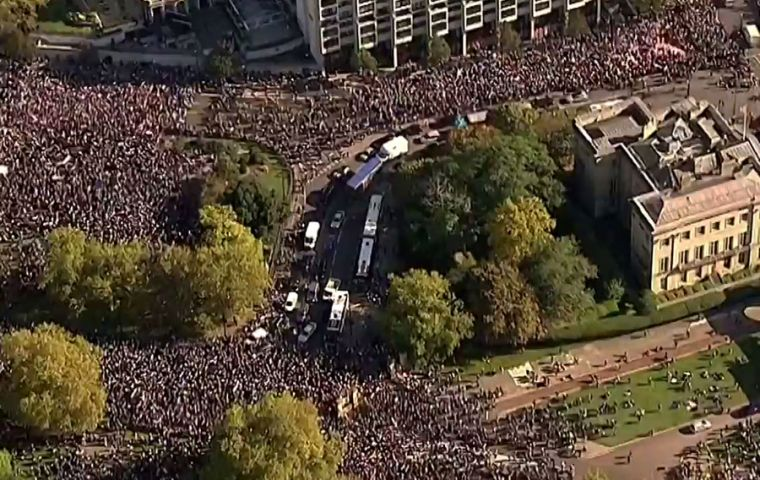 Aerial view of the massive turnout, some 700.000 protestors, in central London to call for a new referendum on Britain's withdrawal from the European Union
