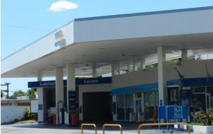 Empty gas stations in Argentina are more common due to the sharp increase in the price of fuel.