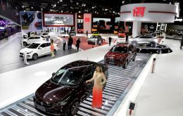 The auto industry kicked off the biannual Sao Paulo International Motor Show announcing a peak in sales, the highest in four years.