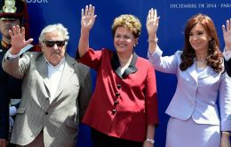 Cristina Fernandez, Jose Mujica and Dilma Rousseff during a Mercosur event