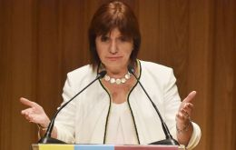 """We believe there are no reasons for a change of Argentina's status regarding possible terrorist attacks of which Great Britain has warned"" said Bullrich"