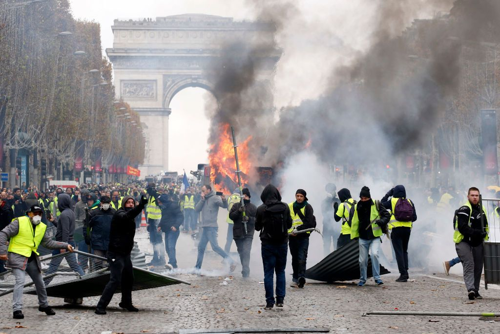Fuel price strikers clash in Paris with police