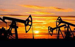 Brent futures fell 80 cents, to settle at US$ 58.71 a barrel, ahead of expiry. The February Brent crude futures LCOG9 lost 45 cents to settle at US$ 59.46 a barrel