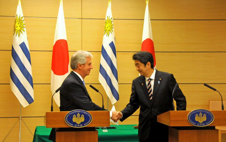 """I would like to continue working hand in hand with the president of Uruguay, Tabaré Vázquez,"" Shinzo Abe said in Montevideo."
