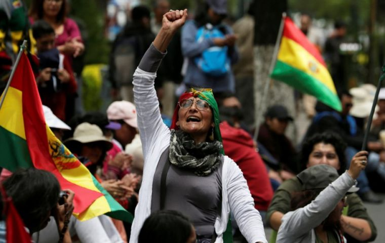 The Electoral High Court (TSE) decided to allow incumbent President Evo Morales and Vice-president Álvaro García Linera to seek re-election despite the country's Constitution