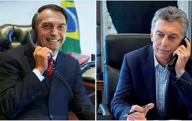 Last week Argentine president Macri revealed that he had several talks with Brazilian president elect Jair Bolsonaro (L)