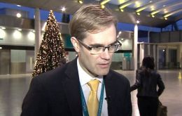 Gatwick Operating Officer Chris Woodroofe said there is currently no commercially available equipment he could put in place to neutralize the threat