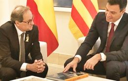 President Sanchez and Catalan president Quim Torra issued a joint statement calling for dialogue to settle the conflict over the future of the north-eastern region.