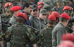 A U.S. government source said the government believes reports that General Padrino threatened to resign if Maduro did not depart are credible