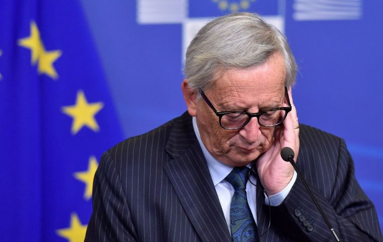 "EC President Jean-Claude Juncker warned that time was running out, ""I urge the UK to clarify its intentions as soon as possible. Time is almost up"""