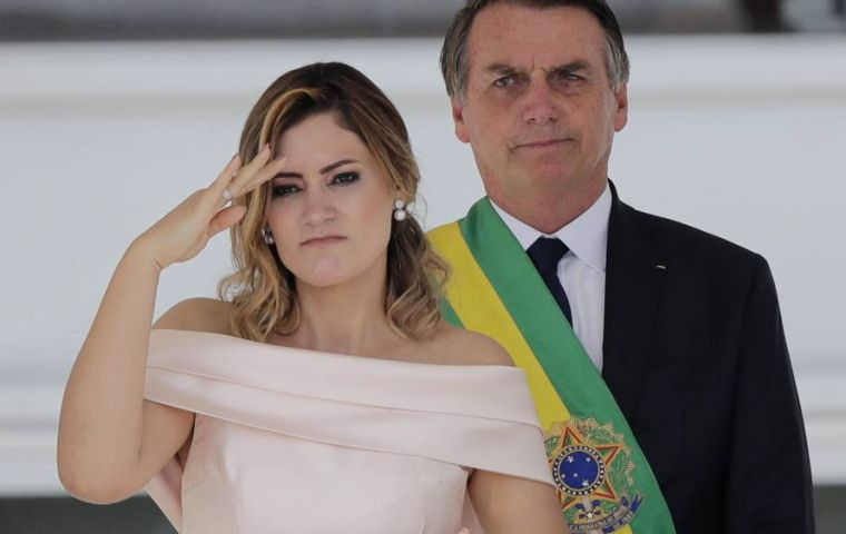 The Federal Revenue, the body responsible for taxation in Brazil, will examine in particular Michelle Bolsonaro's account
