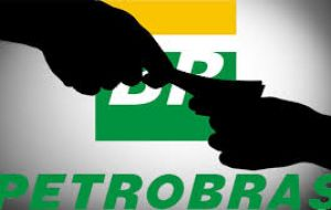 Brazilian prosecutors have accused several ex employees of Petrobras of taking more than US$ 31 million in bribes from intermediaries