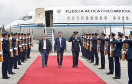 Guaido arrived to Bogotá and was received with honors as head of State on Sunday.