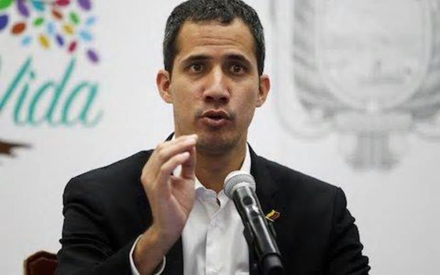 Juan Guaidó commands protest against Nicolàs Maduro