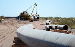 Pipeline construction contracts valued at up to US$1.8 billion to transport natural gas from Vaca Muerta to Buenos Aires, announced Minister Gustavo Lopetegui<br />