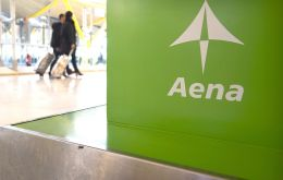 Aena offered 1.9 billion reais (US$ 496 million) to operate six airports in northeastern Brazil, including the city of Recife, the ninth-largest city in Brazil