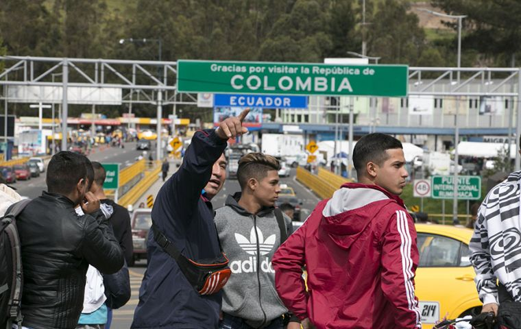 The report indicates that Venezuelan migrants, as they pass through Colombia, are exposed to extortion and recruitment by various armed groups